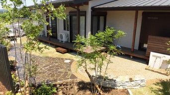 石畳みの雑木林ガーデン