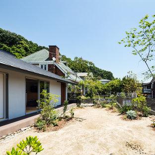 Idéer för att renovera en skandinavisk bakgård i full sol