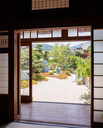 Japanese Garden by 八代写真事務所