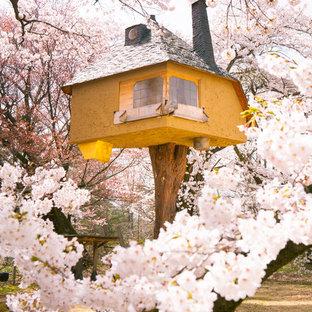 Eklektischer Garten im Frühling mit direkter Sonneneinstrahlung in Tokio Peripherie