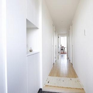 北欧スタイルのおしゃれな廊下の写真