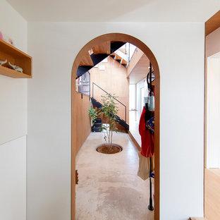 他の地域のモダンスタイルのおしゃれな廊下の写真