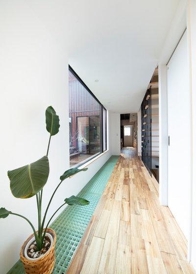 モダン 廊下 by HOUSE ZEN 一級建築士事務所