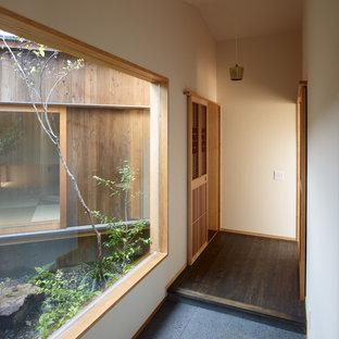 Неиссякаемый источник вдохновения для домашнего уюта: коридор в восточном стиле
