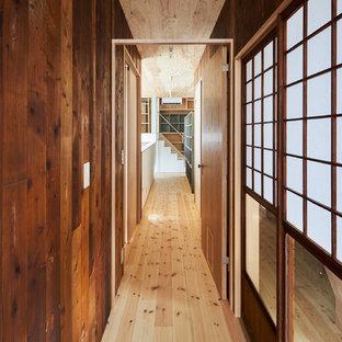 東京都下のアジアンスタイルのおしゃれな廊下の写真