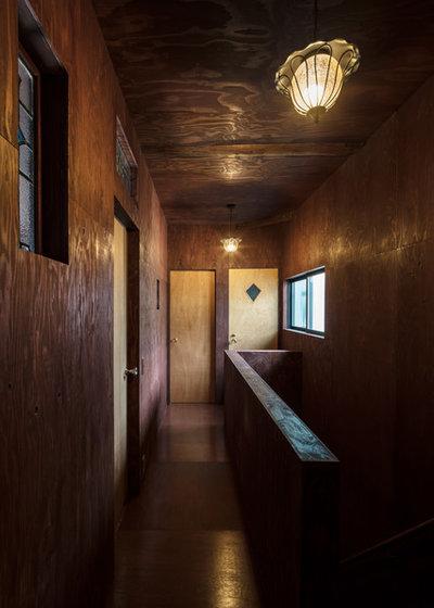 廊下 by SQOOL一級建築士事務所