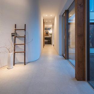 札幌のコンテンポラリースタイルのおしゃれな廊下の写真