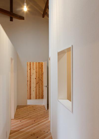 廊下 by yasuhiro sawa design office.