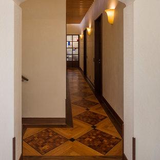 他の地域のアジアンスタイルのおしゃれな廊下の写真