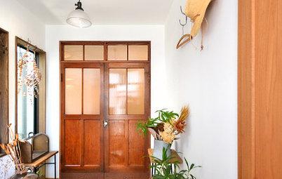 デザインの中心はヴィンテージ扉。ゆるやかな時の流れを楽しむ家