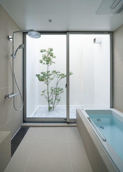モダン 浴室 by atelier etsuko | アトリエ エツコ 一級建築士事務所