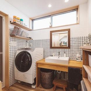 東京都下のアジアンスタイルのおしゃれな浴室の写真