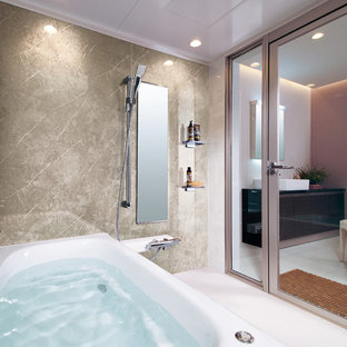 他の地域の地中海スタイルのおしゃれな浴室の写真