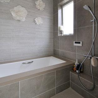 Salle de bain moderne avec une baignoire d\'angle : Photos et ...