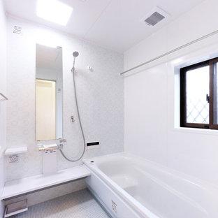 東京都下のモダンスタイルのおしゃれな浴室の写真