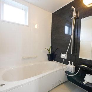 他の地域の中くらいのモダンスタイルのおしゃれな浴室の写真