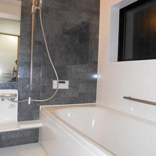 他の地域のおしゃれな浴室の写真
