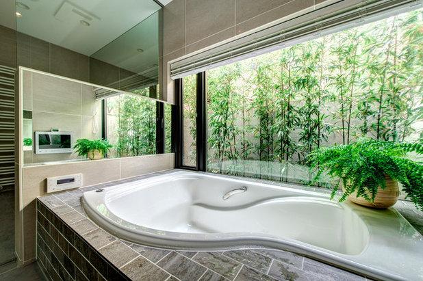 コンテンポラリー 浴室 by 株式会社テラジマアーキテクツ