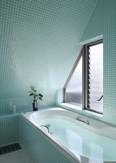 Contemporary Bathroom by 長浜信幸建築設計事務所