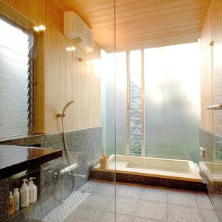 他の地域, の中サイズの和風のおしゃれなマスターバスルーム (和式浴槽、アルコーブ型シャワー) の写真