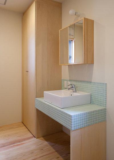 Asian Bathroom by 相川 佐藤 建築設計事務所