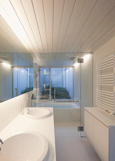 モダン 浴室 by 納谷建築設計事務所