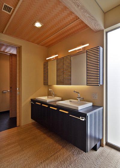コンテンポラリー 浴室・バスルーム by 空間工房 用舎行蔵 一級建築士事務所