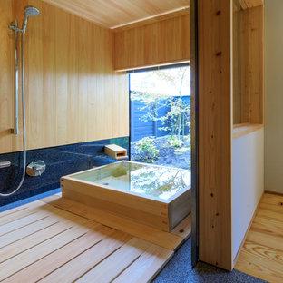 Idee per una stanza da bagno nordica con vasca giapponese