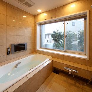 大阪のモダンスタイルのおしゃれな浴室 (コーナー型浴槽、オープン型シャワー、ベージュの壁、ベージュの床、オープンシャワー) の写真