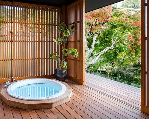 Bagno etnico con parquet scuro foto idee arredamento for Stanza giapponese