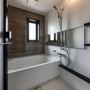 名古屋のインダストリアルスタイルのおしゃれな浴室の写真