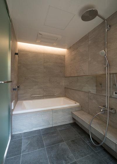 モダン 浴室 by 株式会社ハウゼ
