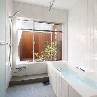 他の地域の北欧スタイルのおしゃれな浴室の写真