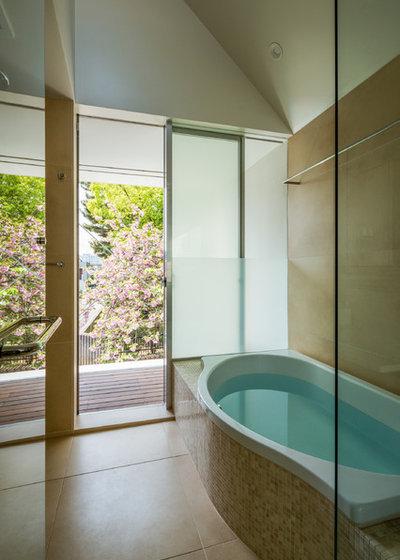 コンテンポラリー 浴室 by 山崎壮一建築設計事務所