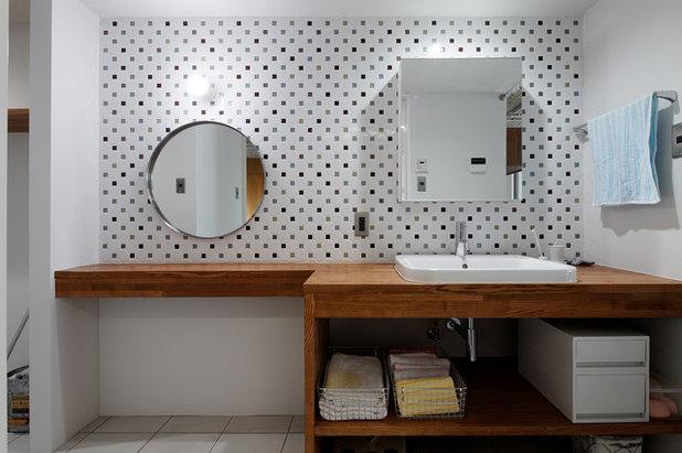 40 idee per la coppia superstar in bagno ovvero lampada e - Specchio rotondo bagno ...