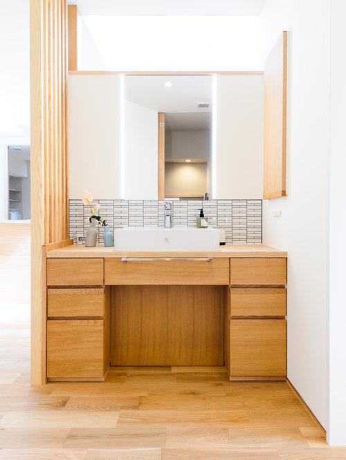 salles de bains et wc asiatiques avec un plan de toilette en bois photos et id es d co de. Black Bedroom Furniture Sets. Home Design Ideas
