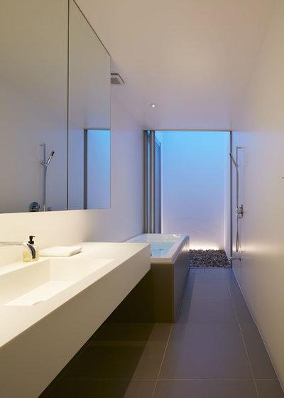 モダン 浴室 by 小川晋一都市建築設計事務所