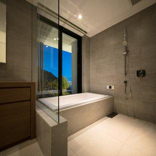 神戸のモダンスタイルのおしゃれな浴室の写真