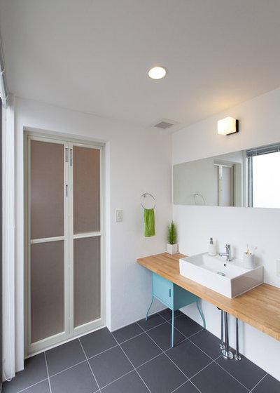 Scandinavian Bathroom by Living_Design / soramado-oita
