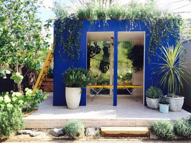 Contemporary Shed by Garden & Landscape Design 風姿花伝