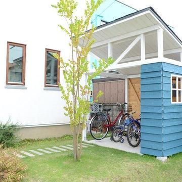 オリジナル小屋風自転車置き場