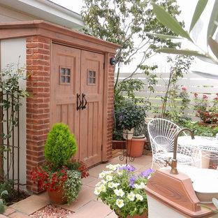 他の地域の独立型北欧スタイルのおしゃれな物置小屋・庭小屋の写真