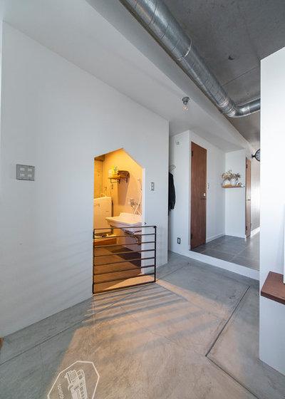 クラフツマン 玄関 by SCHOOL BUS OSAKA|スクールバス空間設計