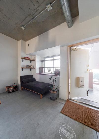 インダストリアル 玄関 by SCHOOL BUS OSAKA|スクールバス空間設計