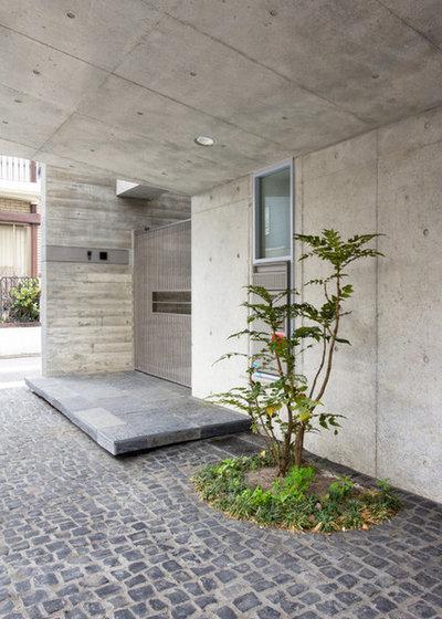 モダン 玄関 by 株式会社KADO一級建築士事務所