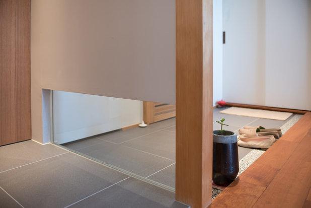 コンテンポラリー 玄関 by 株式会社ハンズデザイン一級建築士事務所