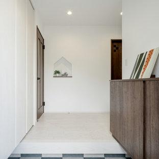 Imagen de entrada papel pintado, industrial, con paredes verdes, suelo de contrachapado, suelo beige, papel pintado y papel pintado