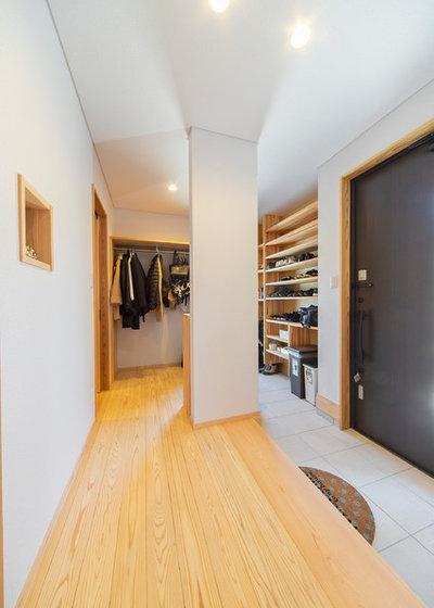 モダン 玄関 by ミヤシタ Life with Wood 株式会社宮下