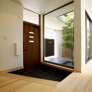 他の地域の和風のおしゃれな玄関の写真