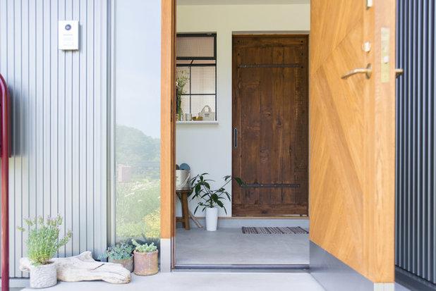 ミッドセンチュリー 玄関 by タイラヤスヒロ建築設計事務所
